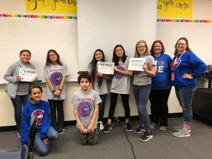 Battle of the Books Students Break Out!