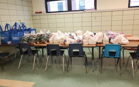 CMS Provides 30 Thanksgiving Meals to Our Families