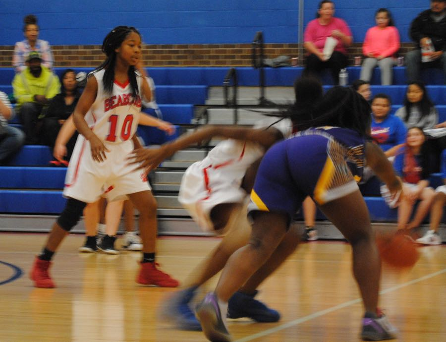 Girls' Basketball Ends 6-1 Season with Disappointing Loss to Eisnehower